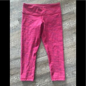 Lululemon crops red
